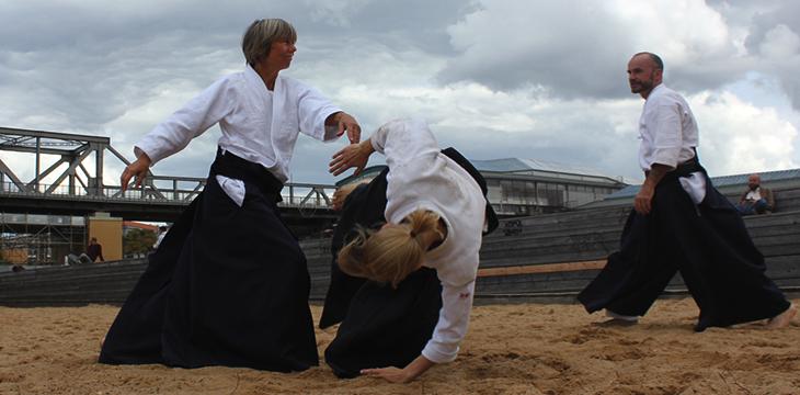 Aikido im Sand